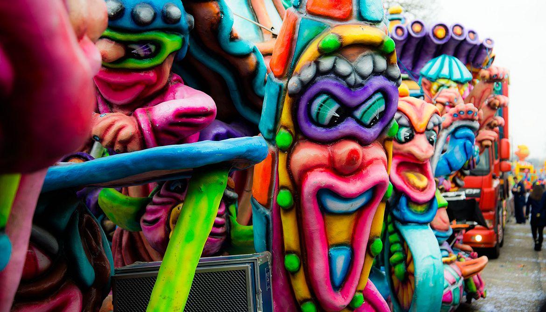 Carnavalsoptocht Mierlo-Hout 2015